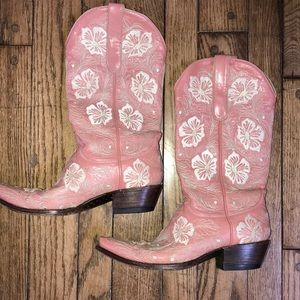 💕🍁Old Gringo Pink and White Used Good Condition